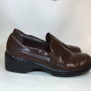 Women's Clarks brown leather loafers sz 7.5M